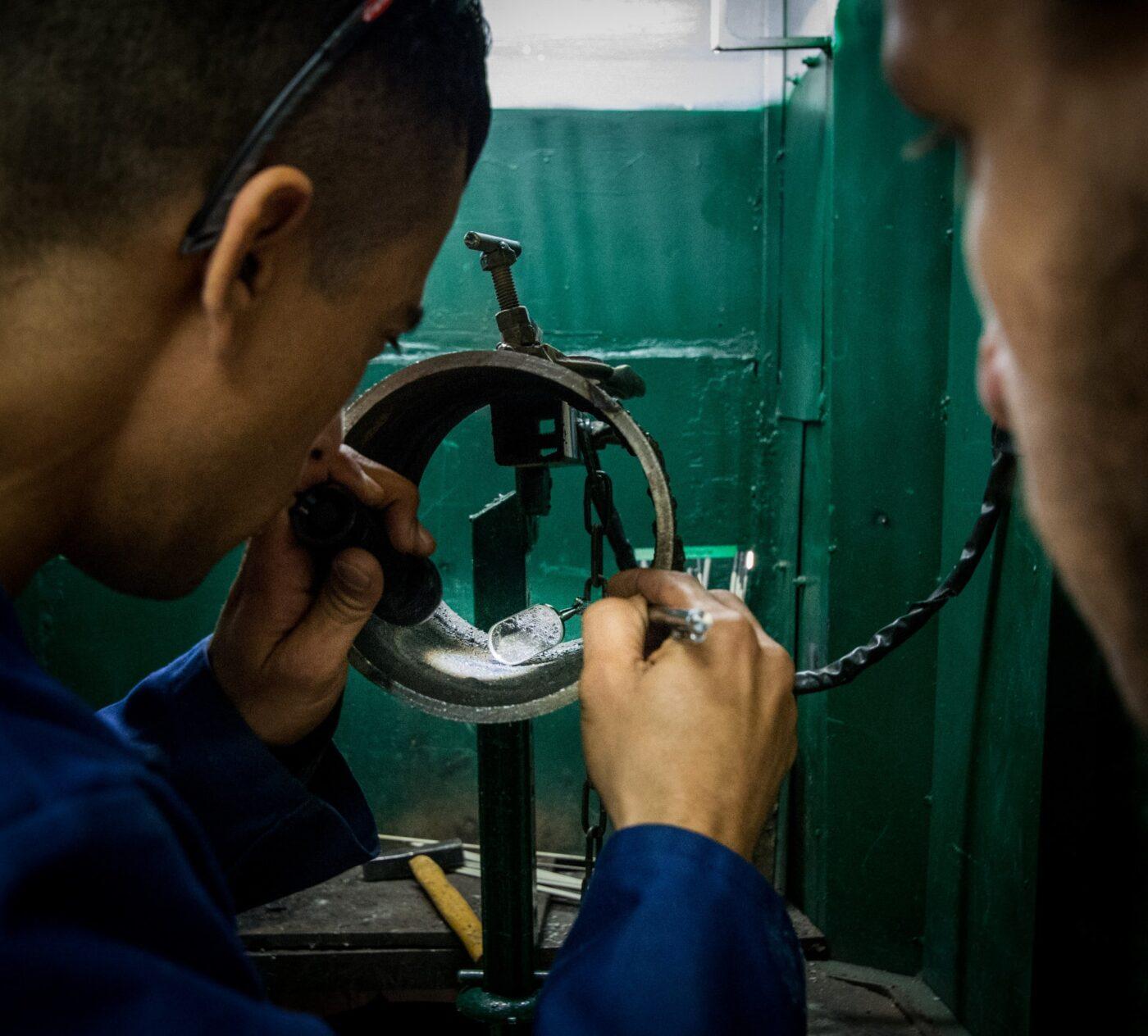 בודק ריתוך 1400x1264 - הדרכת מהנדסים והנדסאים – בשיתוף לשכת המהנדסים